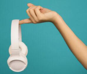 home recording image of headphones